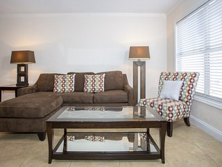 Comfy Couch With 1 Bedroom