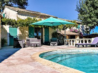 Amazing home in St Julien de Peyrolas w/ WiFi, Outdoor swimming pool and 5 Bedro