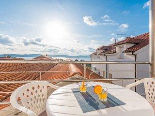 Amazing apartment in Sveti Filip i Jakov w/ 1 Bedrooms (CDA736)