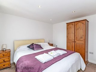 Residential Estates - Two bed Apartment Saddlery sleeps 4