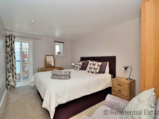 Residential Estates - One bed Apartment Saddlery Way sleeps 2