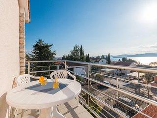 Nice apartment in Sveti Filip i Jakov w/  (CDA741)