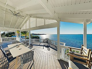 Luxury Home w/ 180-Degree Bay Views, Boat Docks, Pool Table & Huge Deck