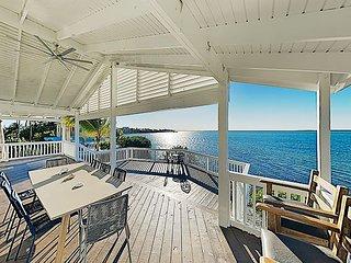 Luxury Home w/ 180-Degree Bay Views, Boat Docks, Pool Table & Huge Deck