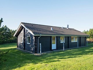 Tvolm Holiday Home Sleeps 9 - 5061740