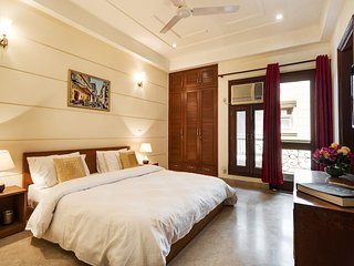 Hostie Aarna - 4BR Apt South Delhi, near Apolo, Moolchand