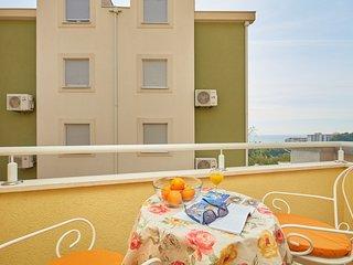 Apartments Zelic Tucepi  S2
