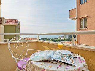 Apartments Zelic Tucepi  S6