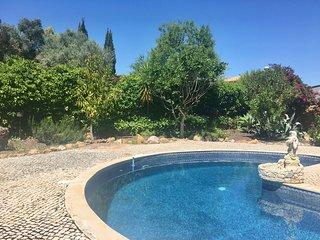 Maison Cosy avec piscine