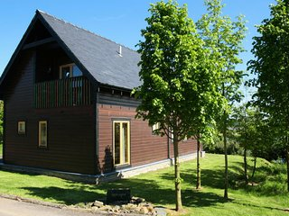 Murroes Holiday Home Sleeps 6 with WiFi - 5778032