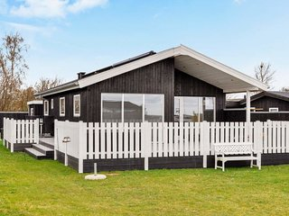 Neder Sonderby Holiday Home Sleeps 6 with WiFi - 5380505