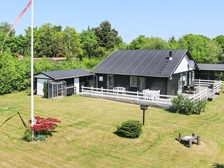 Fruerlund Holiday Home Sleeps 5 - 5648012
