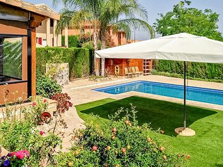 Amazing home in Riba-Roja de Turia with Outdoor swimming pool, WiFi and Outdoor