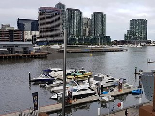 Docklands 3 Bedroom Waterfront Apartment