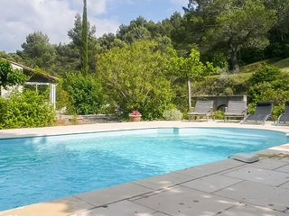 Nice home in Montbrun des Corbieres w/ Outdoor swimming pool, Outdoor swimming