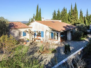 Nice home in Montbrun des Corbières w/ Outdoor swimming pool, Outdoor swimming