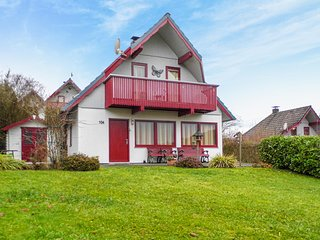 Stunning home in Kirchheim w/ WiFi and 3 Bedrooms (DHE197)