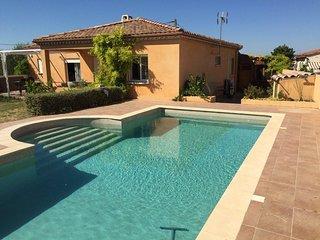 Villa Rosier - Family Holiday home with Pool, Near Pezenas