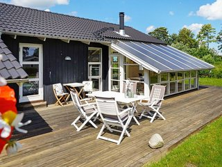 Gronninghoved Strand Holiday Home Sleeps 6 with WiFi - 5654453