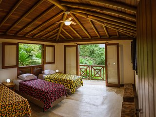 EannA House Paraty Triple En-suite
