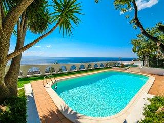 LivingAmalfi: Villa Vespero in Amalfi with private pool and sea view