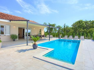 Stunning home in Vrh with Outdoor swimming pool and 3 Bedrooms (CKI057)