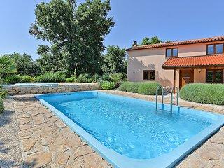 Liznjan Villa Sleeps 9 with Pool - 5827829