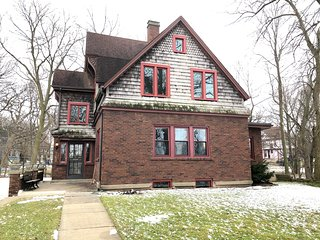 History and luxury on the Kankakee River.  A private waterfront home.
