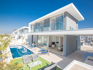 Olivine Pearl 19, Brand New 3 Bedroom Villa with Private Pool