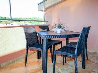 Nevidane Apartment Sleeps 3 with Pool and Air Con - 5828317