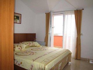 Nevidane Apartment Sleeps 3 with Pool and Air Con - 5828322