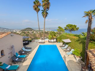Cannes Mandelieu/Theoule border Lovely 6-Bed Villa