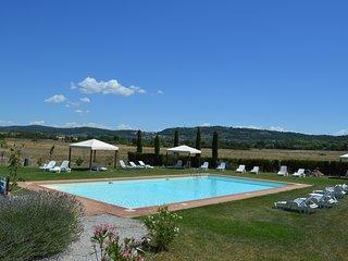 Vacanza in Toscana con piscina e campo da tennis