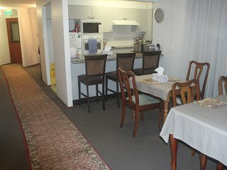 Accommodation in Newcastle - Opposite John Hunter and Newcastle Private Hospital