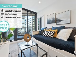 'Mid-Long Term Available Inquire'  Southbank Modern 2 Bed Apt | NGV Botanical