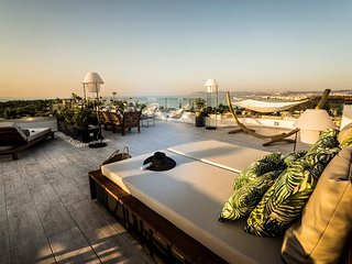Hill House, roof garden, pool, close to the beach