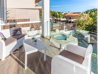 VistaMar. Sea views, relax, hot tub with hot water.