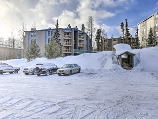 Silverthorne Condo w/Pool Access by 7 Ski Resorts!