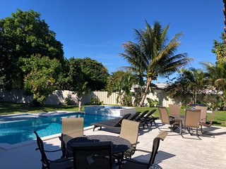 ♥ Palm Beach Home 5B/4Bth, Private Pool & Hot Tub Home Theater ♥