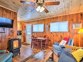 Cabin Nestled by Lake Charlevoix: Pets are Welcome