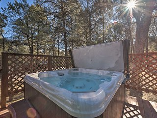 NEW! Southwestern Hideaway w/Furnished Deck!