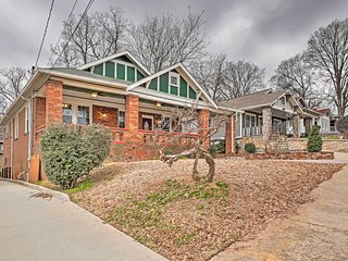 Central ATL Home - 2 Miles from State Farm Arena!