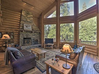 Off the Grid Luxury Cabin, Near Wineries & Skiing!