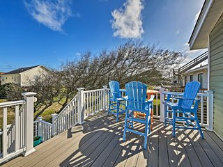 Coastal Home w/Deck, Outdoor Shower: Walk to Beach