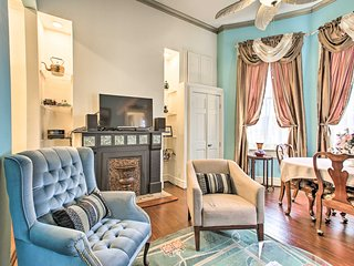 NEW! Historic Apt w/ Courtyard off St Charles Ave!