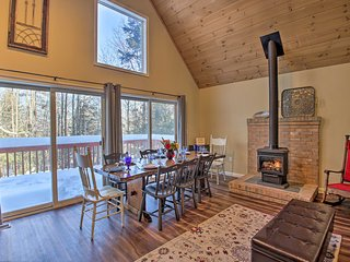 Family Friendly Abode: 10Mi to Cranmore Mtn Resort
