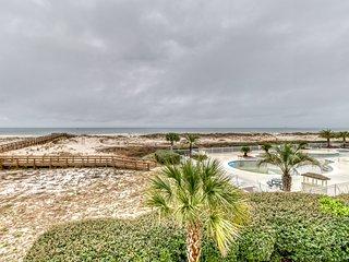 Beachfront condo w/ beautiful Gulf views, shared pool & hot tub, & free WiFi!
