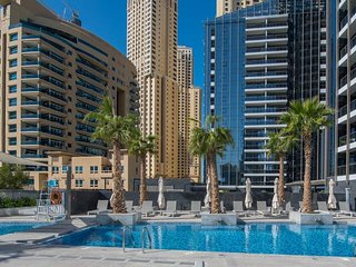 Glamorous 2BR Suite with Dubai Marina View