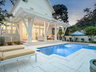 Brand New Luxury Grayton Beach Home-Private Pool-Large Screened in Porch-Short W