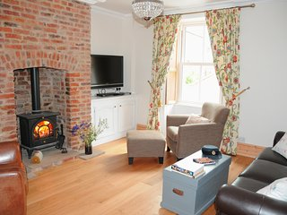 Alnwick- Bespoke Visit England 4* Cottage & parking